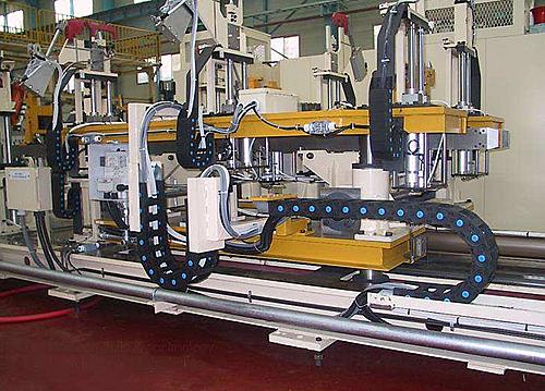 电缆保护拖链应用